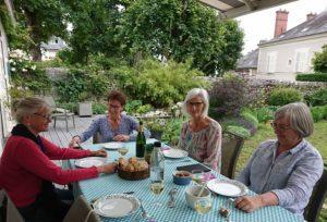 dejeuner sur la terrasse