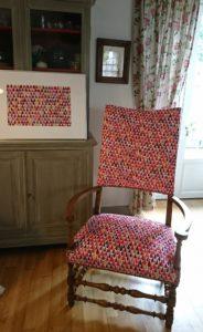 fauteuil et tableau zinnia